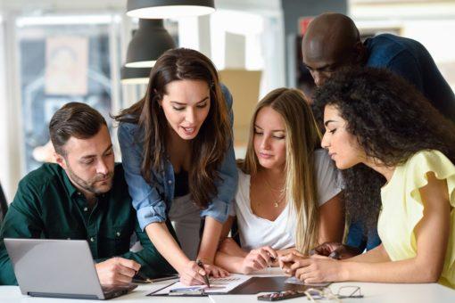 reuniones juntos 1 1 510x340 - Aprender inglés de forma rápida
