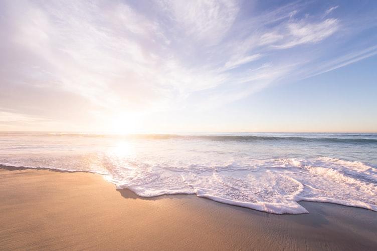 photo 1476673160081 cf065607f449 - En otoño también se disfruta de la playa